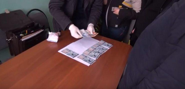 Директор средней школы Байзакского района, Жамбылской области» подозревается в коррупции видео